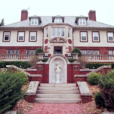 Figure 10 Exterior view of La Maison de L'Enfant