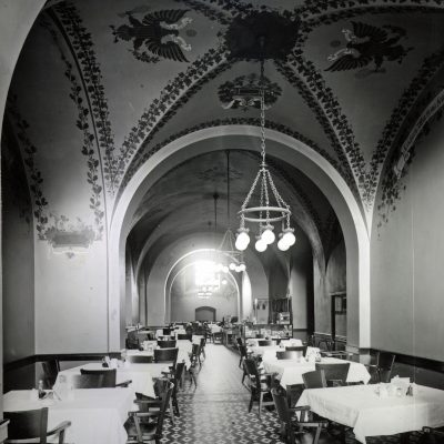 Figure 14 Cafeteria in 1905
