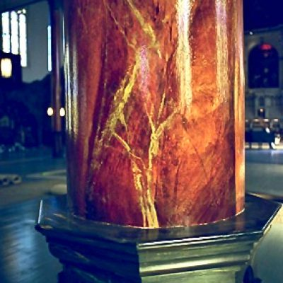 Figure 6 Marbleized column after restoration - detail