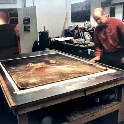 Figure 4 Painting during lining on a heat_vacuum table