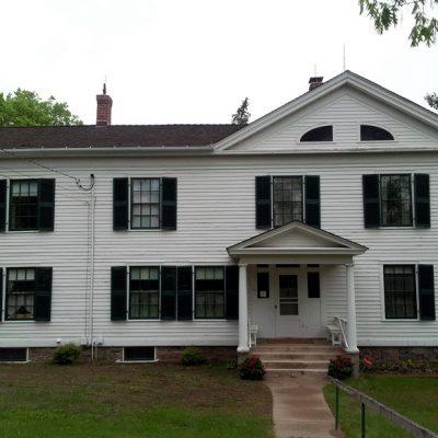 Figure 1 South facade of Folsom House